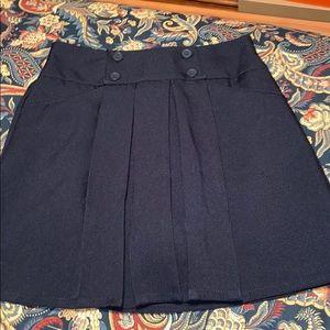 pleated navy skirt